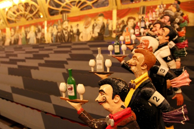 The racing waiter, Musée des Arts Forains, Paris , France