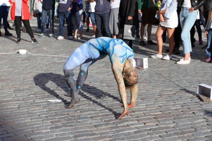 Painted performer, Stortorget, Gamala Stan, Stockholm, Sweden