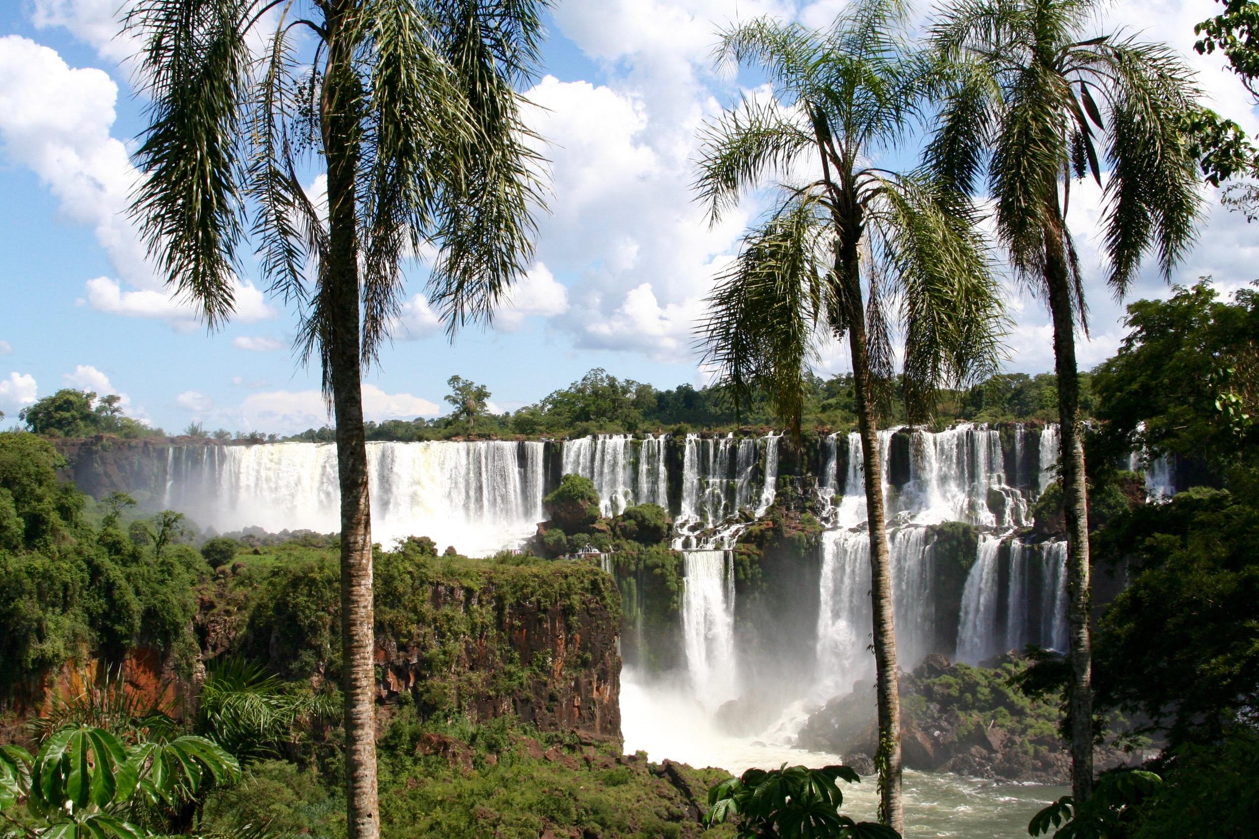 how to get to iguazu falls