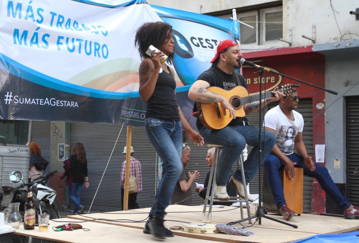 Protest music in the streets of San Telmo, Buenos Aires, Argentina