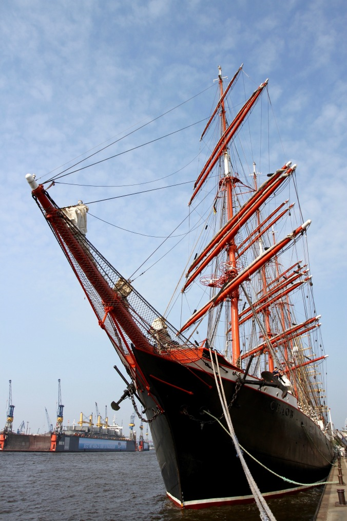 Sailing ship on the Elbe, Hamburg harbour, Germany