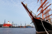 Sailing ship on the Elbe, Hamburg harbour, Germany