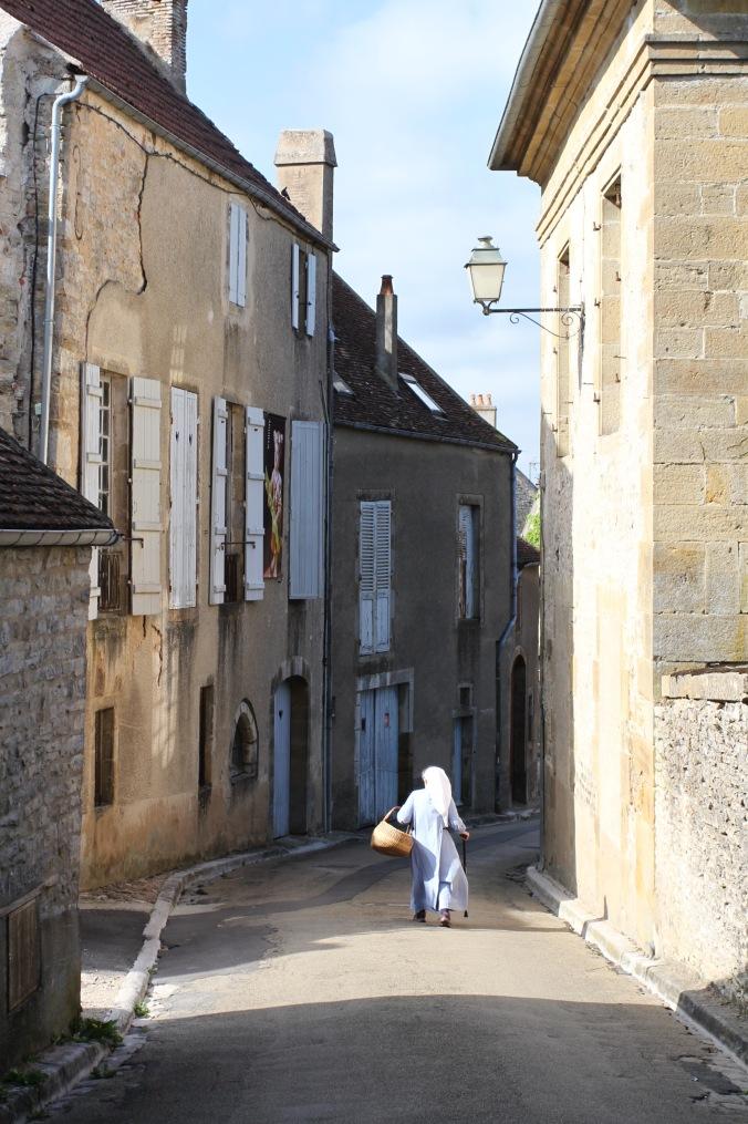 Nun, Vézelay, France