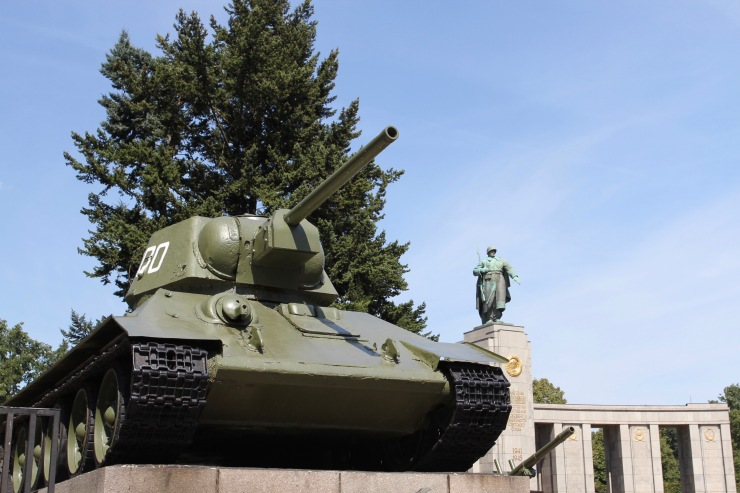 T34 Russian tank, Soviet Memorial, Tiergarten, Berlin, Germany