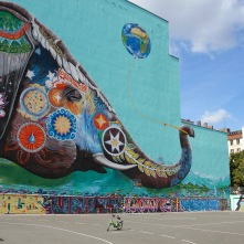 Elephant playing with a balloon by Jadore Tong, Street art, Berlin, Germany