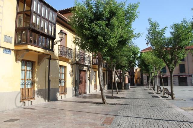 León and the legend of 'Saint' Genarín