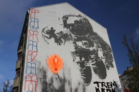 Astronaut by Victor Ash, Street Art, Berlin, Germany
