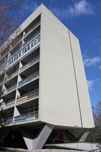 Scheibenhochhaus by Oscar Niemeyer, Hansaviertel, Berlin, Germany