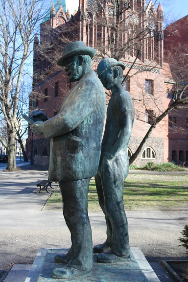 Statue to artist Heinrich Zille, Berlin, Germany